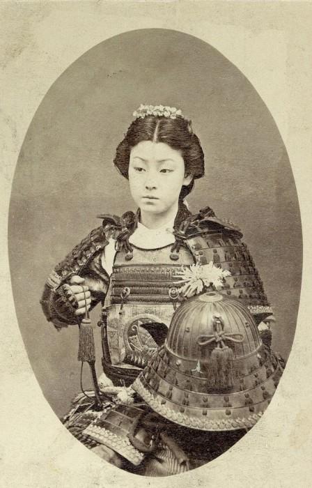 Женщина, принадлежащая к сословию самураев, 1800-е годы.